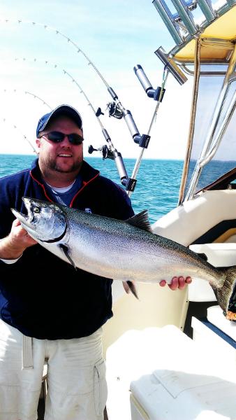 salmon charter boat Illinois
